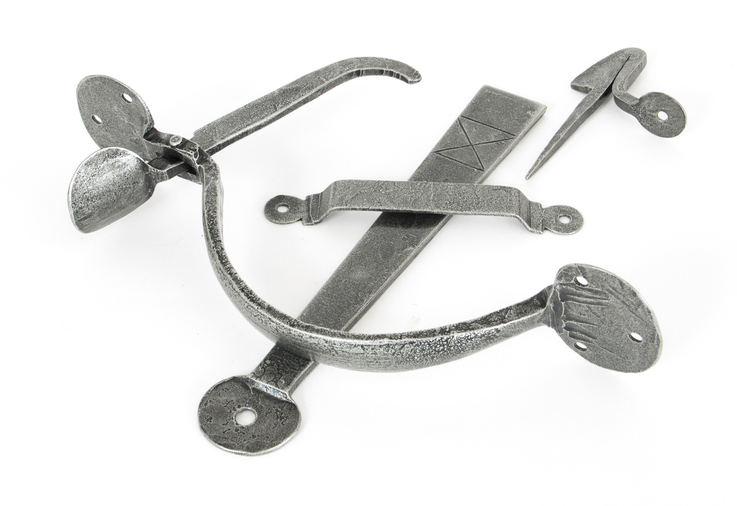 Pewter Heavy Bean Thumblatch Image 1