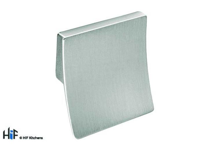 H423.32.BS Square Handle Die-Cast Brushed Steel Image 1