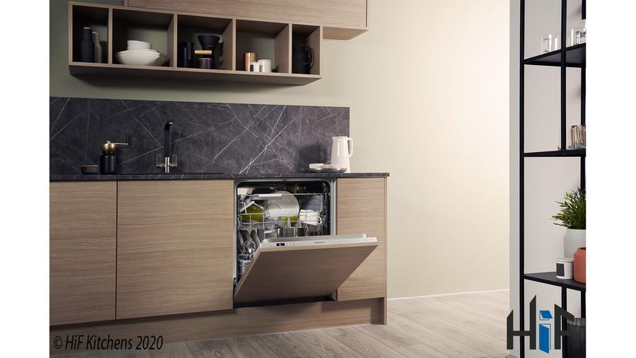 Hotpoint HIC3C26WF Int Dishwasher Image 14