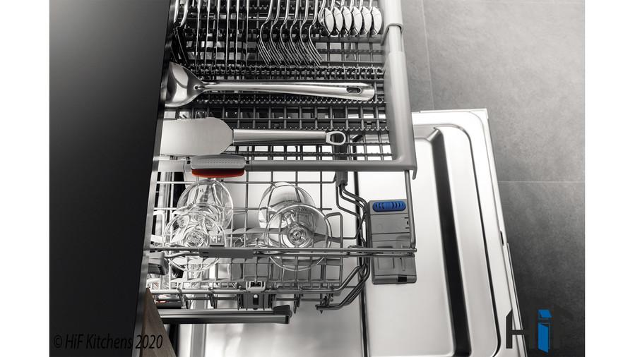 Hotpoint HIC3C26WF Int Dishwasher Image 11