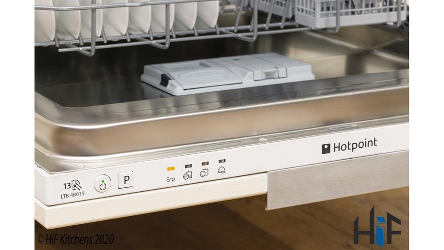Hotpoint LBT4B019 60cm Integrated Dishwasher Image 4