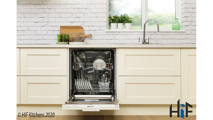 Hotpoint LBT4B019 60cm Integrated Dishwasher Image 5