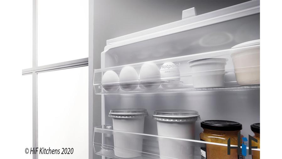 Hotpoint Day1 HM 7030 E C AA O3.1 Integrated Fridge Freezer Image 11