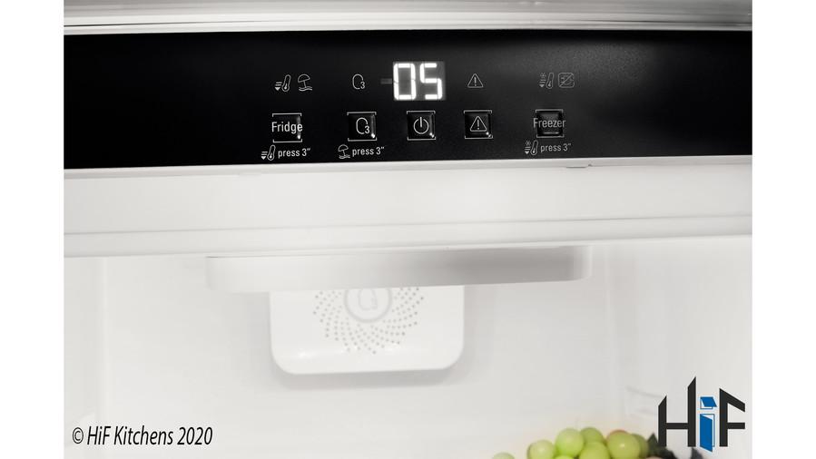 Hotpoint Day1 HM 7030 E C AA O3.1 Integrated Fridge Freezer Image 12