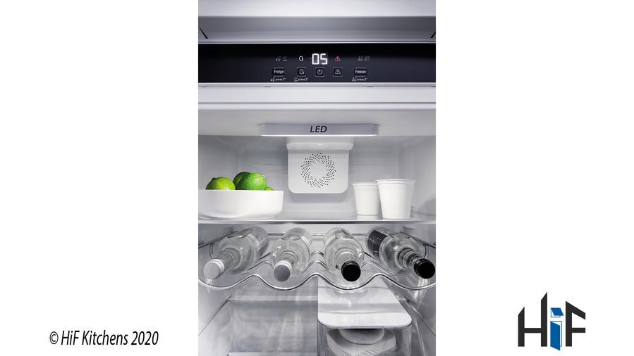Hotpoint Day1 HM 7030 E C AA O3.1 Integrated Fridge Freezer Image 13