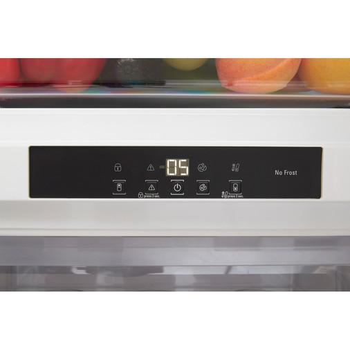 Hotpoint Day1 BCB 8020 AA F C.1 Integrated Fridge Freezer Image 9