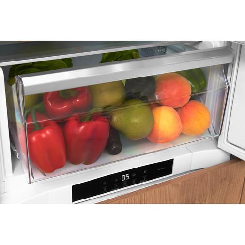 Hotpoint Day1 BCB 8020 AA F C.1 Integrated Fridge Freezer Image 12
