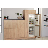 Hotpoint Aquarius HM 325 FF.2.1 Integrated Fridge Freezer Image 12 Thumbnail