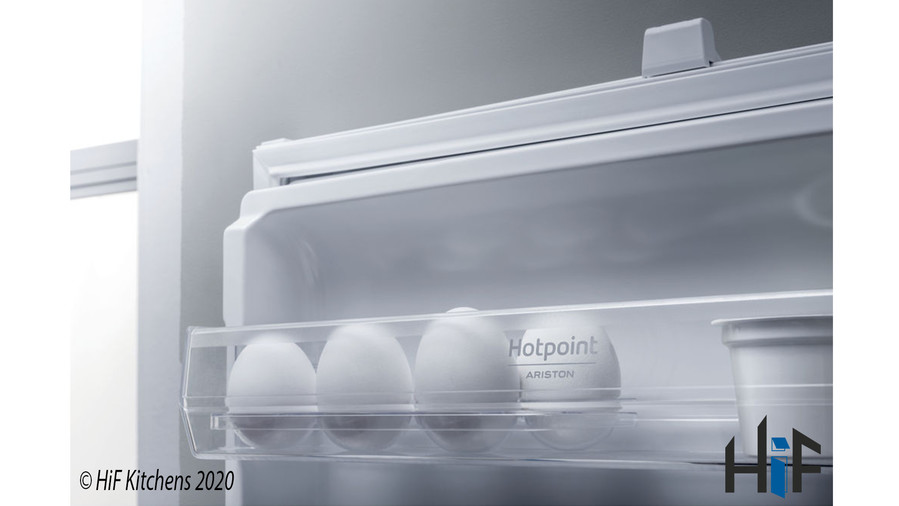 Hotpoint Day1 BCB 8020 AA F C.1 Integrated Fridge Freezer Image 3