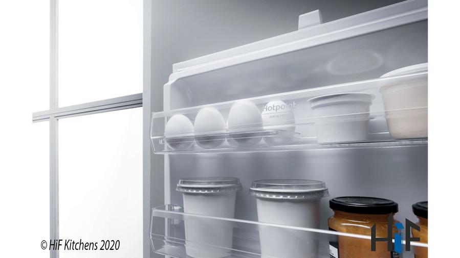 Hotpoint Day1 BCB 8020 AA F C.1 Integrated Fridge Freezer Image 4
