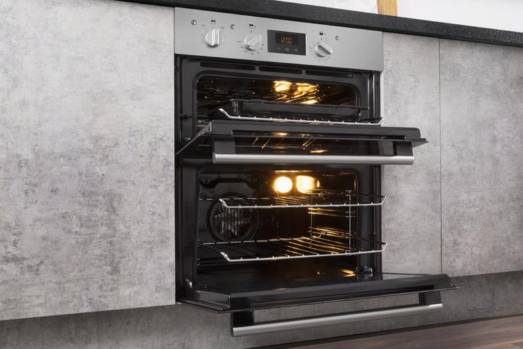Hotpoint Class 2 DU2 540 IX Built-Under Oven Image 14