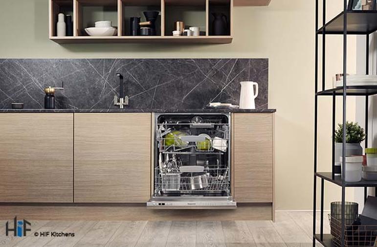 Hotpoint HIC 3C26 WF UK Int Dishwasher Image 8