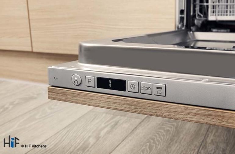 Hotpoint HIC 3C26 WF UK Int Dishwasher Image 9