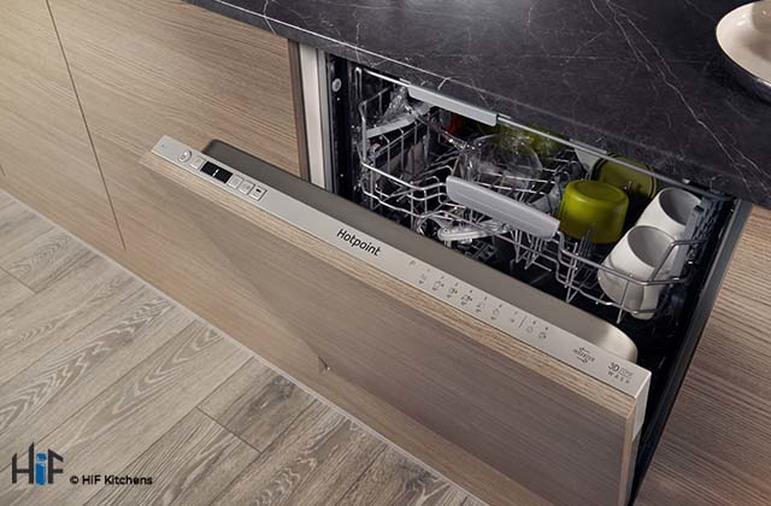 Hotpoint HIC 3C26 WF UK Int Dishwasher Image 12