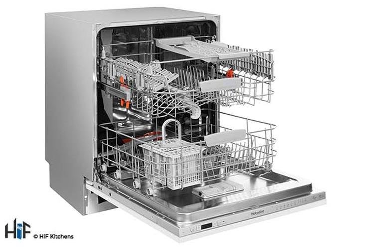 Hotpoint HIC 3C26 WF UK Int Dishwasher Image 3