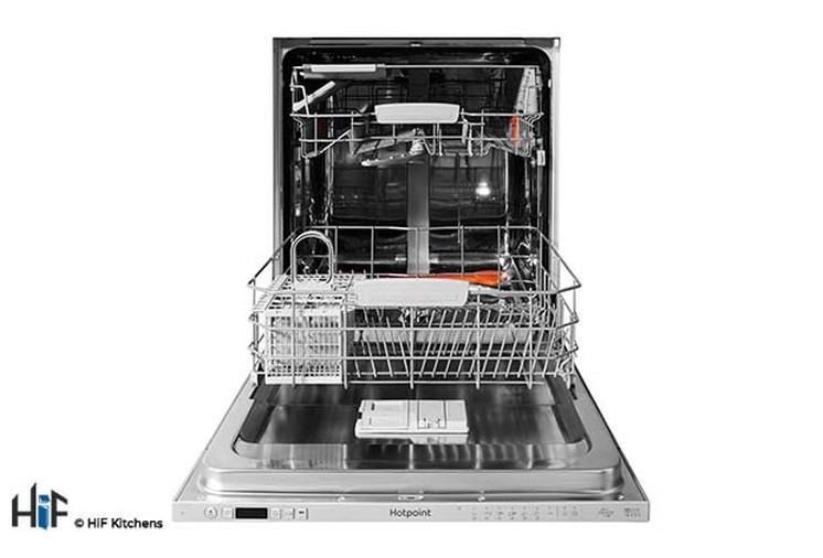 Hotpoint Ultima HIO 3C22 WS C Integrated Dishwasher Image 2