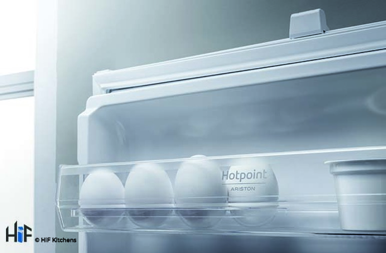 Hotpoint Day1 HM 7030 E C AA O3.1 Integrated Fridge Freezer Image 8