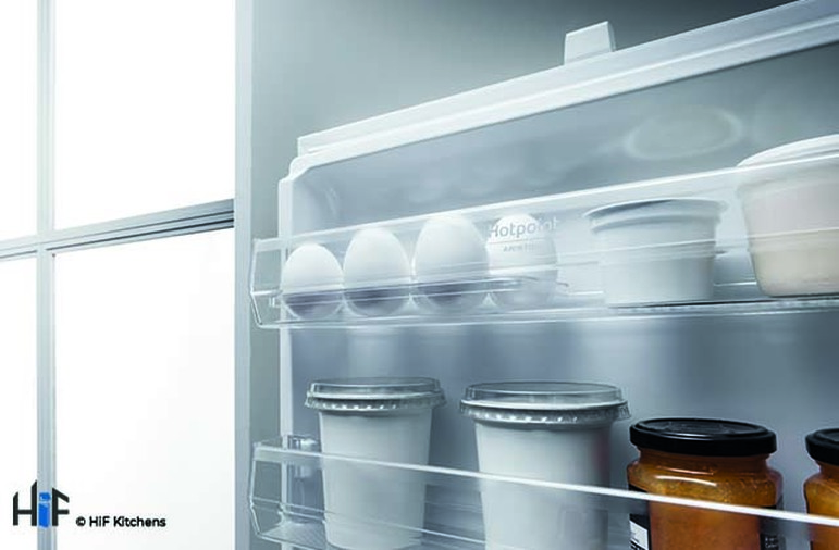 Hotpoint Day1 HM 7030 E C AA O3.1 Integrated Fridge Freezer Image 11