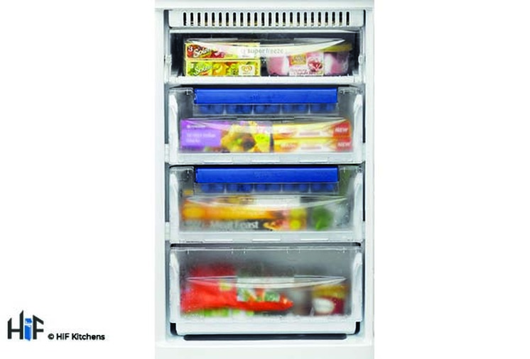 Hotpoint Aquarius HM 325 FF.2.1 Integrated Fridge Freezer Image 2