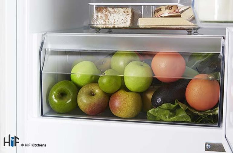 Hotpoint Aquarius HMCB 7030 AA.UK.1 Integrated Fridge Freezer Image 9