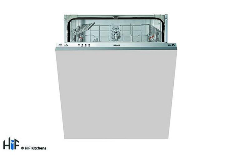 Hotpoint LTB4B019 60cm Integrated Dishwasher Image 1