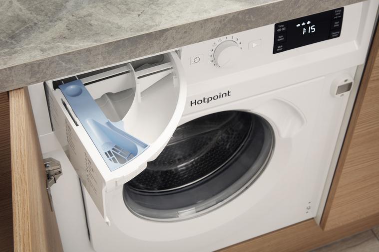 Hotpoint BI WMHG 71284 UK Integrated Washing Machine Image 11