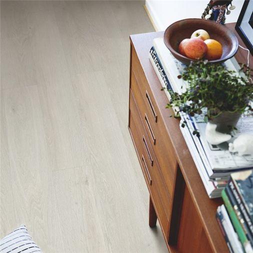 Pergo Grey Washed Oak Vinyl V2131-40082 Image 3