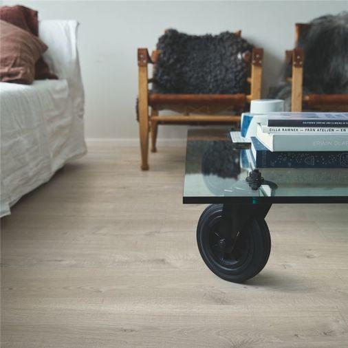 Pergo Seaside Oak Vinyl Click Flooring V2131-40107 Image 3