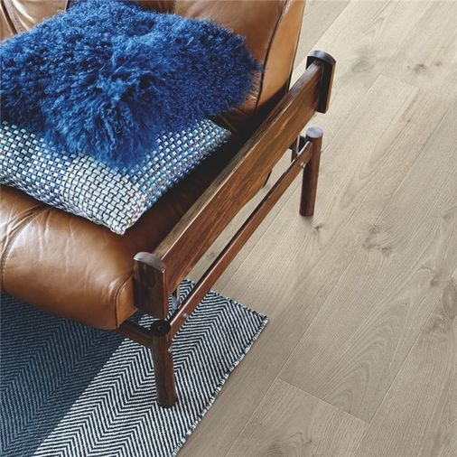 Pergo Vintage Grey Oak Plank Micro Bevel L0339-04311 Image 3